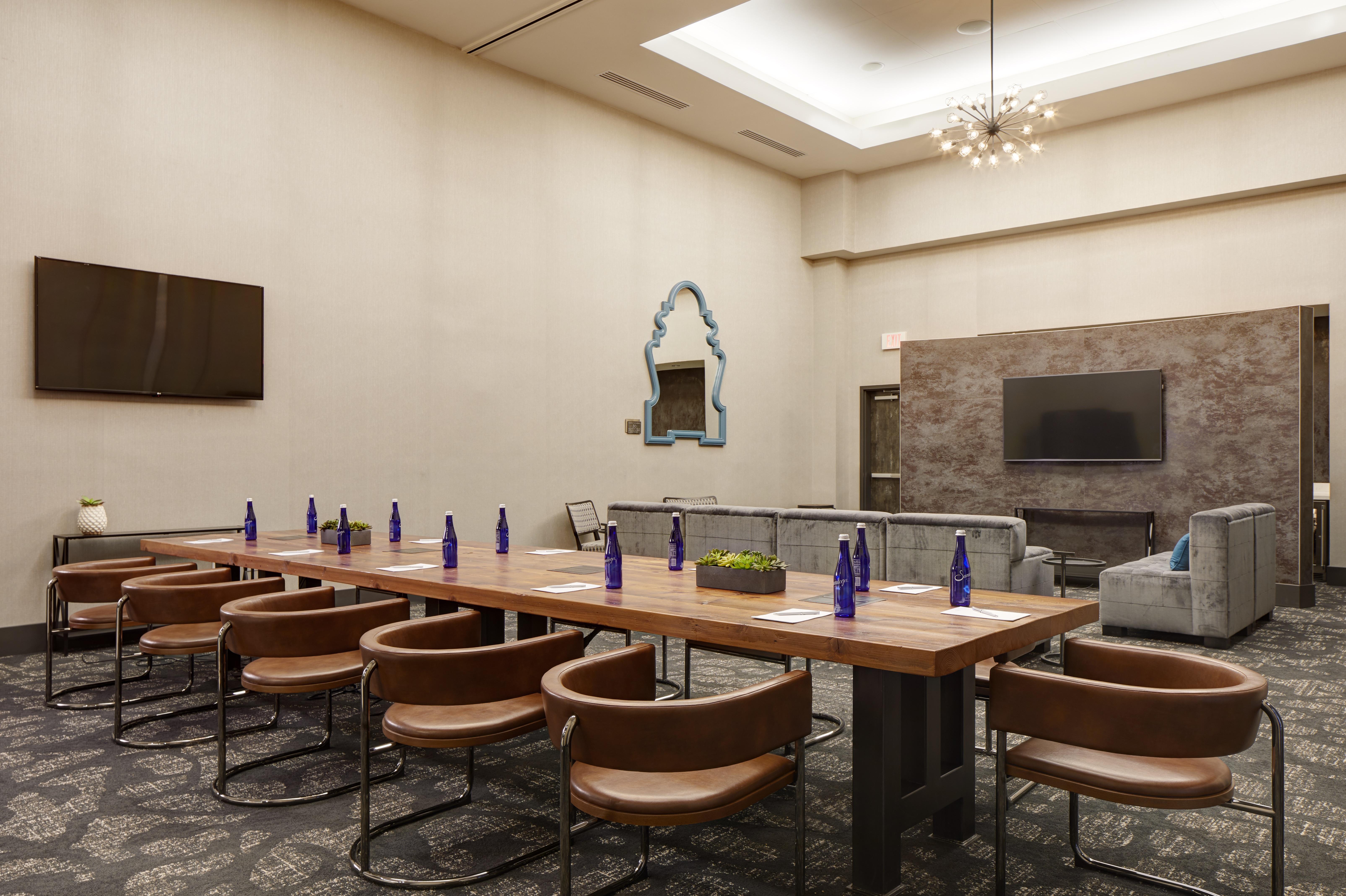 Archer Hotel Florham Park_Boardroom + Hospitality Lounge 2 (1)
